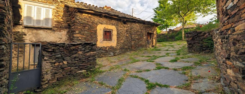 Casas típicas de Campillo de Ranas