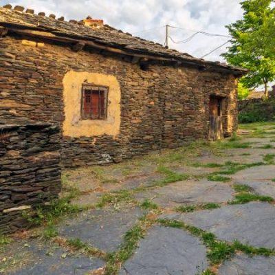 Campillo de Ranas, una referencia de la arquitectura negra en la Serranía de Guadalajara