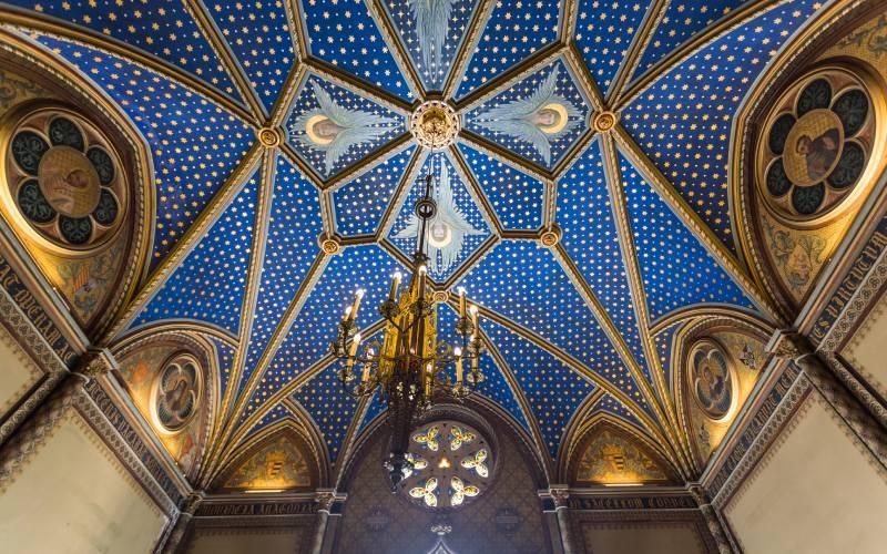 Techo de la capilla neogótica del palacio ducal de Gandía