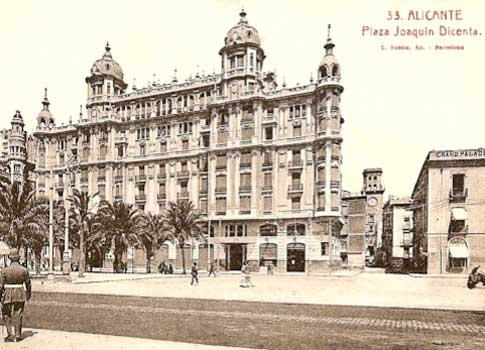 Postal antigua de la Casa Carbonell en Alicante