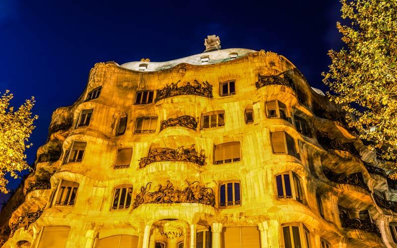 Casa Milà: La Barcelona de Gaudí