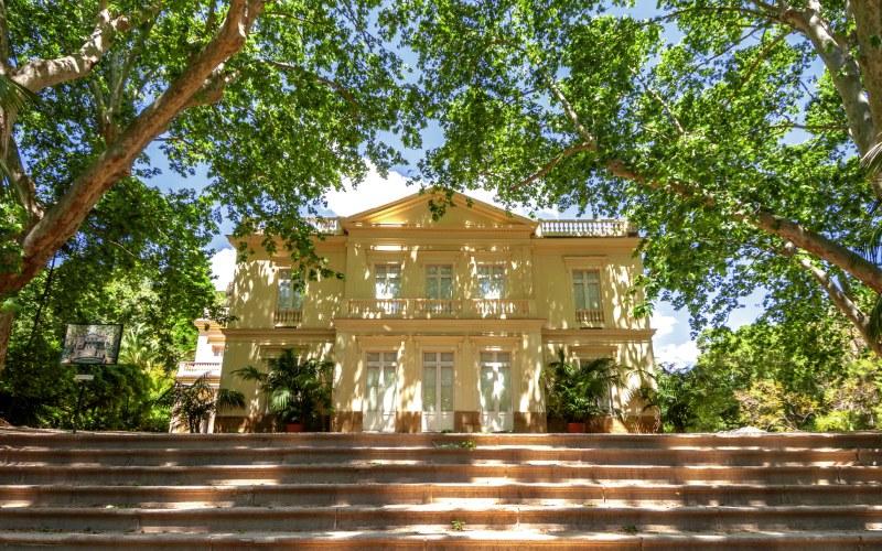 Casa-palacio del Jardín La Concepción rodeado de pura naturaleza