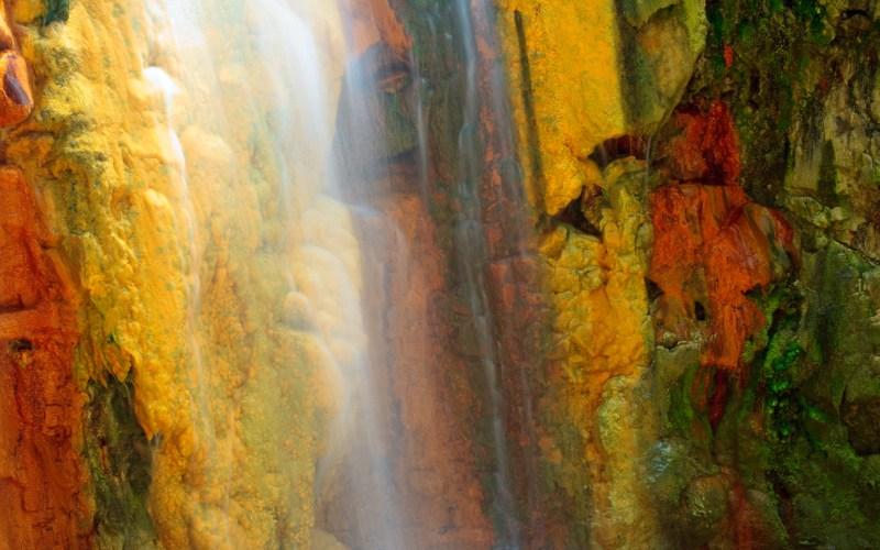 Detalle de la Cascada de los Colores
