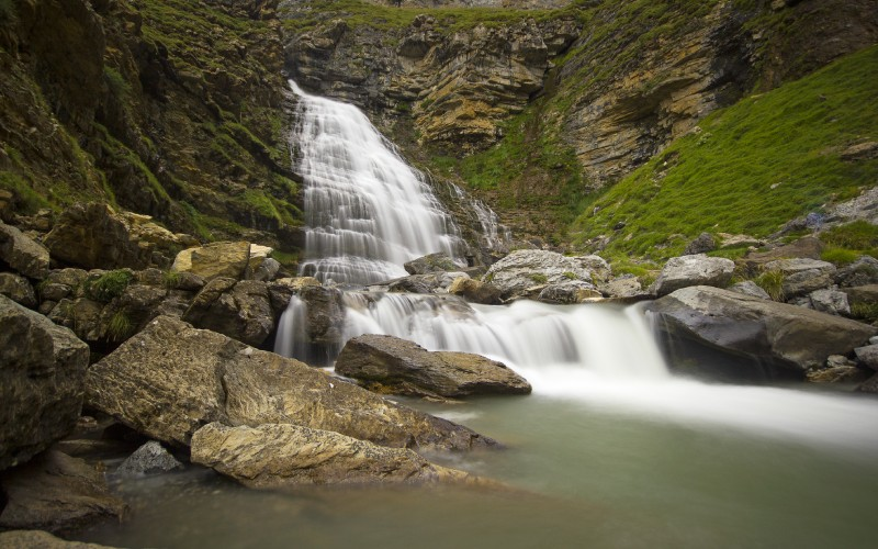 Cascada en el Parque Nacional de Ordesa y Monte Perdido