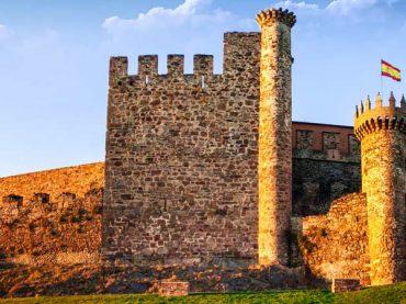 Los 6 castillos góticos más impresionantes de Castilla y León