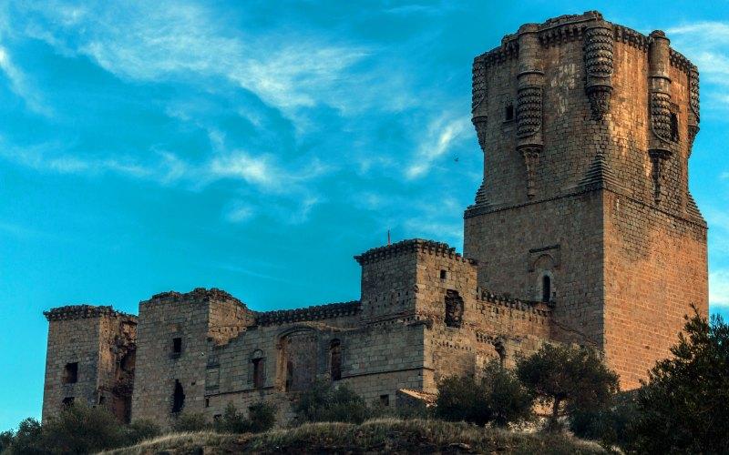 La torre del homenaje acapara la atención del castillo de Belalcázar