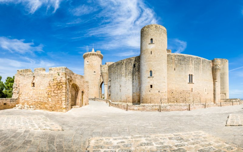 El castell de Bellver y su torre del Homenaje