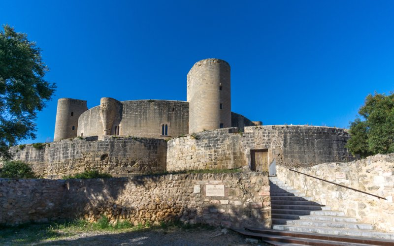 Vista del castillo de Bellver desde el exterior
