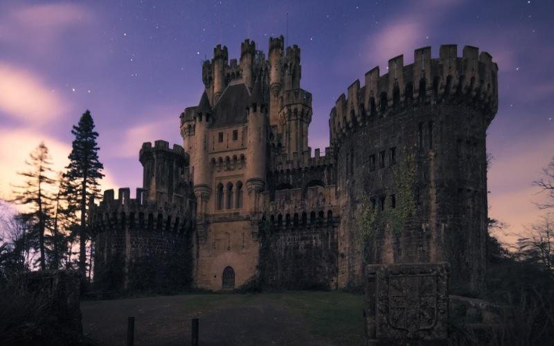 Castillo de Butrón de noche