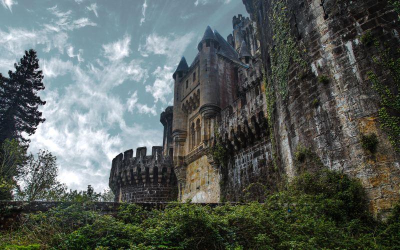 Frontal del castillo de Butrón
