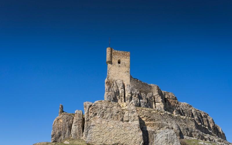 Así luce hoy la torre del castillo de Atienza