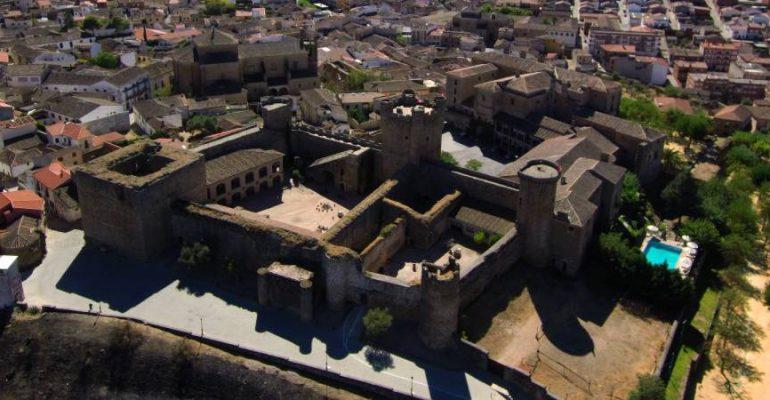 Castillo de Oropesa, una fortaleza toledana cristiana por un lado y musulmana por el otro