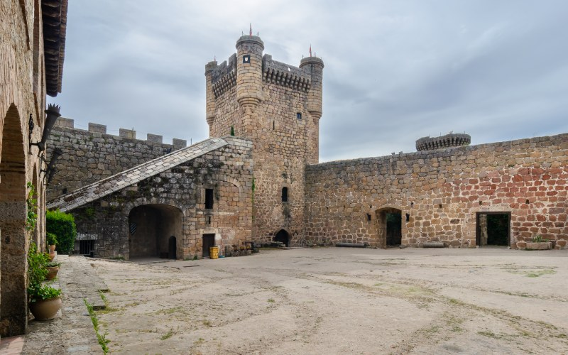 Patio de armas del Castillo Nuevo de Oropesa
