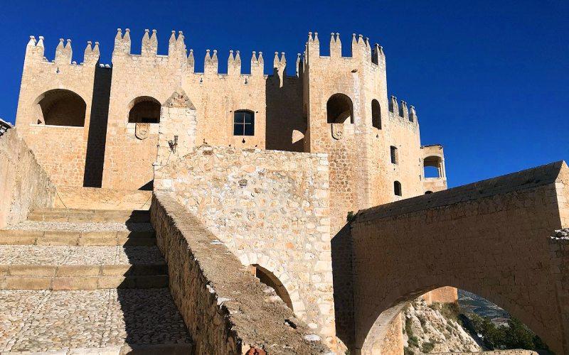 Acceso desde el área militar a la palaciega del castillo de Vélez-Blanco