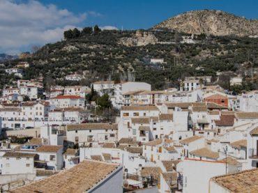 Castril de la Peña, un amor de verano andaluz