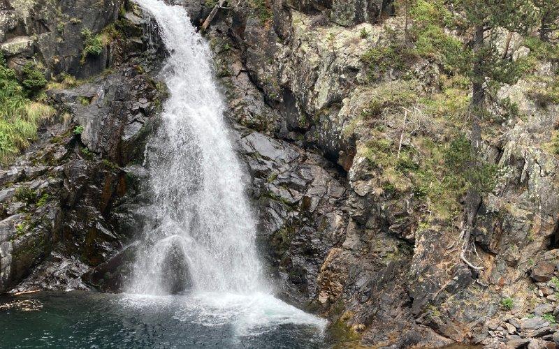 Catarata de Gorgas de Alba en el río Ésera