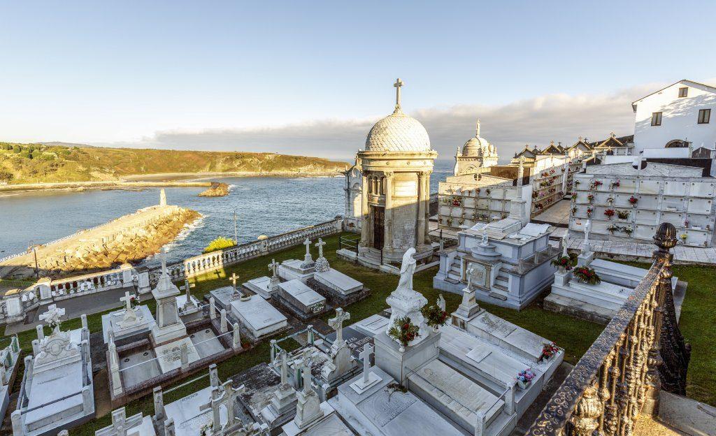 Cementerios más curiosos de España Luarca