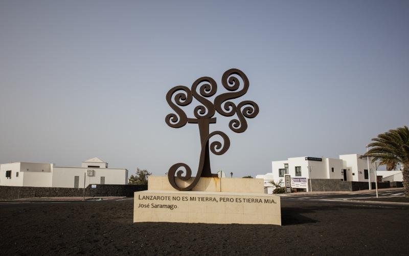 Rotonda dedicada a José Saramago en Lanzarote