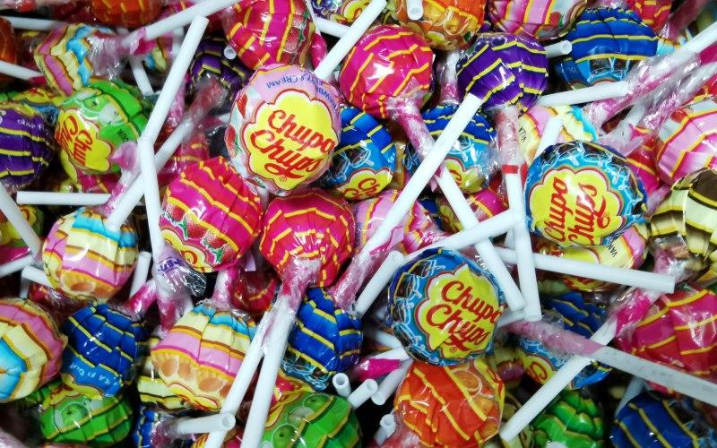 Montón de coloridos Chupa Chups