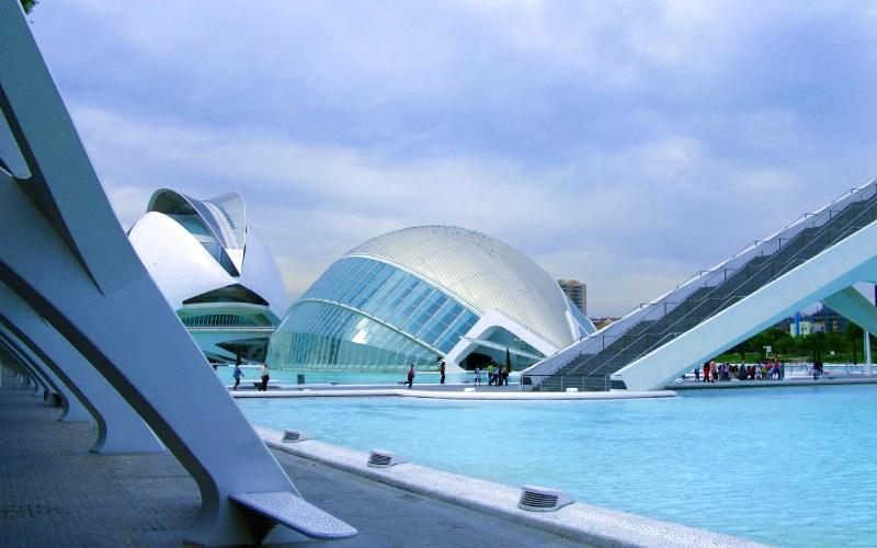 La Ciudad de las Artes y las Ciencias de Valencia es obra de Santiago Calatrava