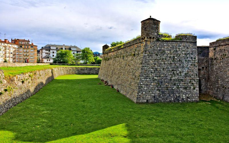 Bastión y matacasas de la ciudadela de Jaca