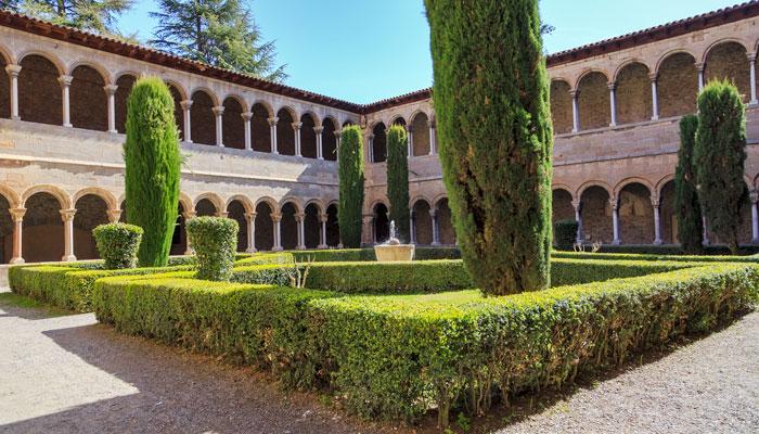 claustro monasterio ripoll gerona