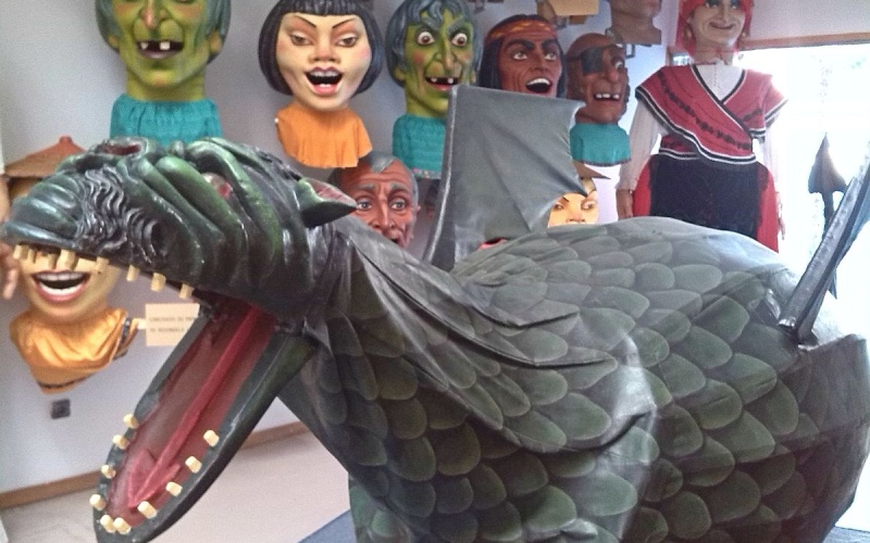 Imagen de la representación actual de la Coca durante el Corpus Christi (Redondela)