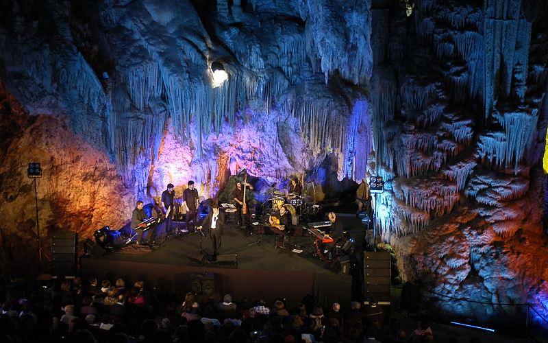 Concierto en la cueva de Nerja