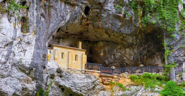 Santas cuevas de España, lugares de peregrinaje