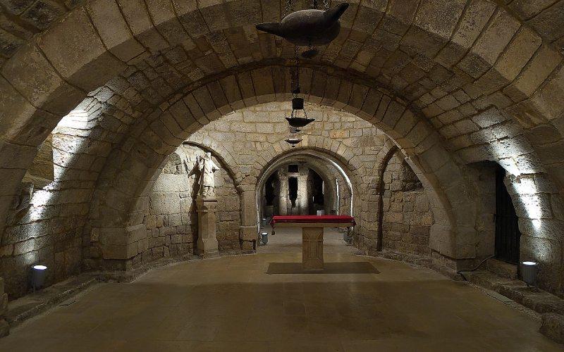 Interior cripta de San Antolín de la catedral de Palencia