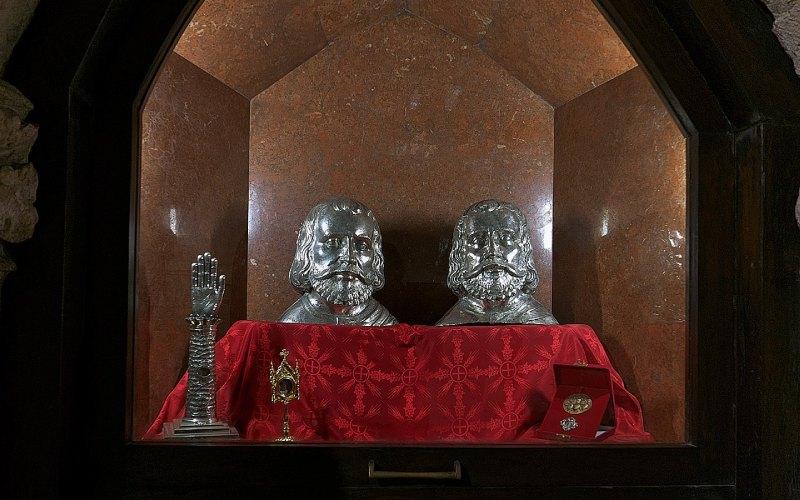 Bustos-relicarios de los santos mártires Emeterio y Celedonio, Cripta del Cristo de la catedral de Santander