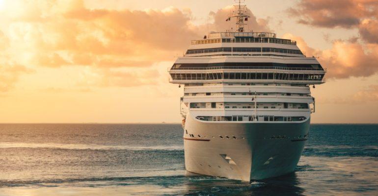 España prohíbe los cruceros hasta el fin de la 'nueva normalidad'