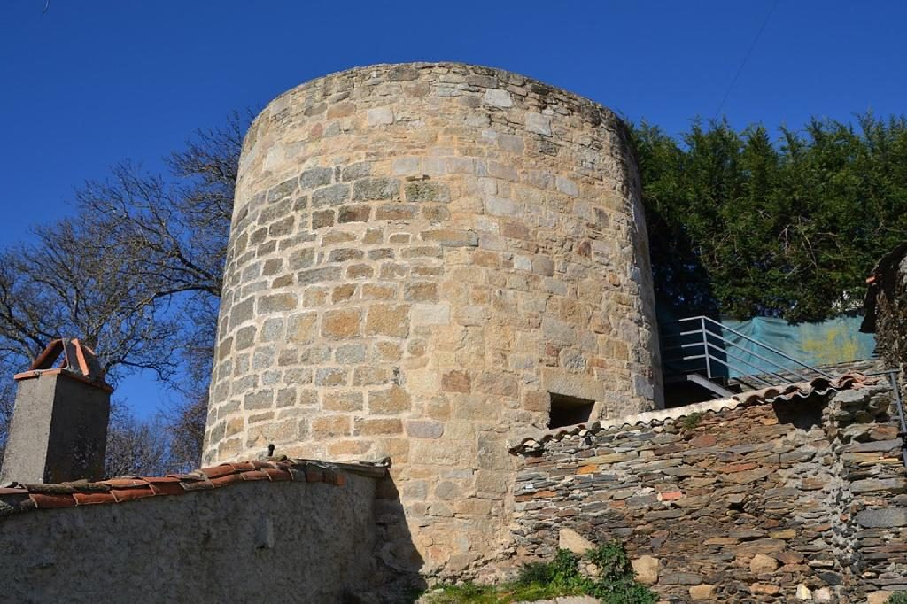 Cubo de las murallas templarias de Alcañices