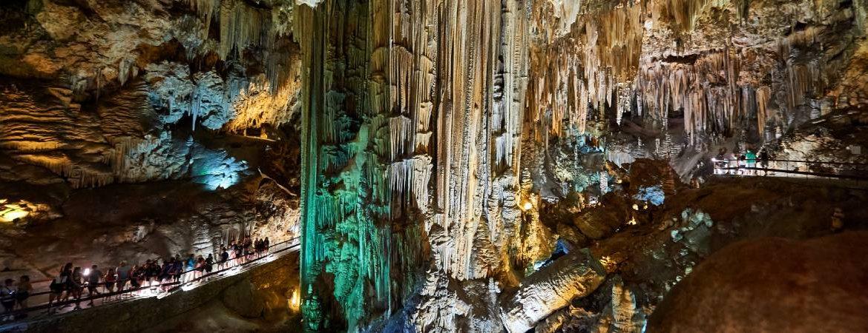 Galerías turísticas de la cueva de Nerja