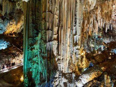 Cueva de Nerja, una maravilla natural que habitamos desde hace 40.000 años