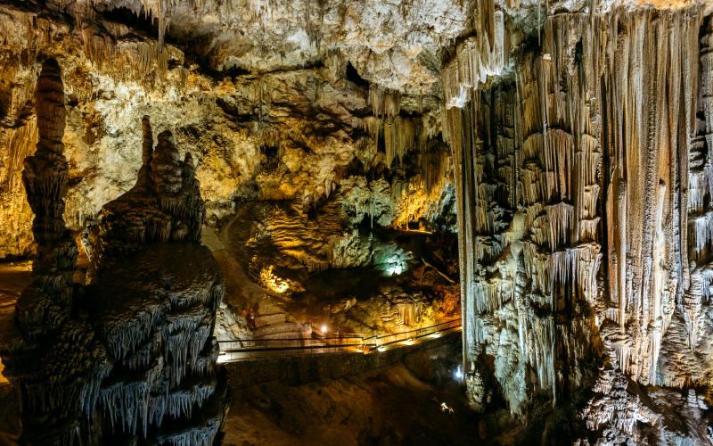 Formaciones que pueden verse en la cueva de Nerja