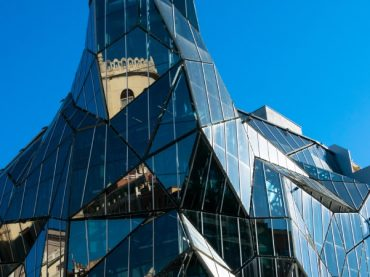 Los 11 edificios de cristal más impresionantes de España, belleza con aspecto frágil