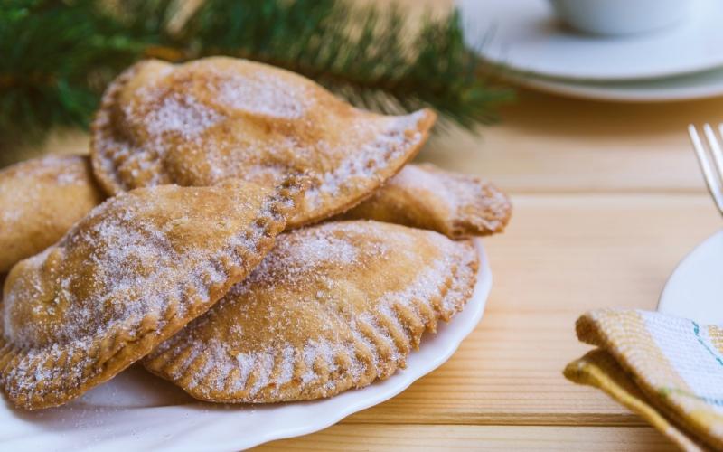Plato de empanadillas dulces extremeñas