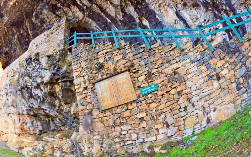 Entrada a la ermita de San Úrbez