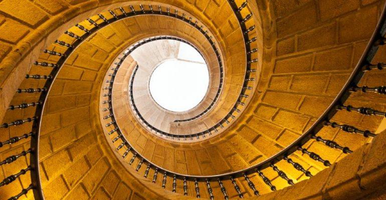 13 de las escaleras más originales y espectaculares de España