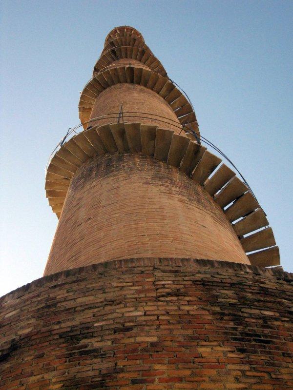 Escaleras de la chimenea de la Bòbila