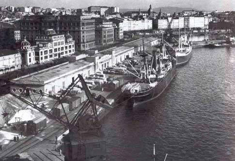 Foto antigua de la Estación Marítima de A Coruña capital en los años 30