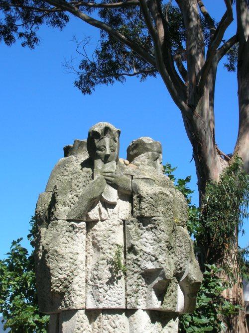 Estatua a los juglares gallegos en San Simón