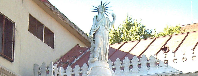 Estatua de la libertad madrileña
