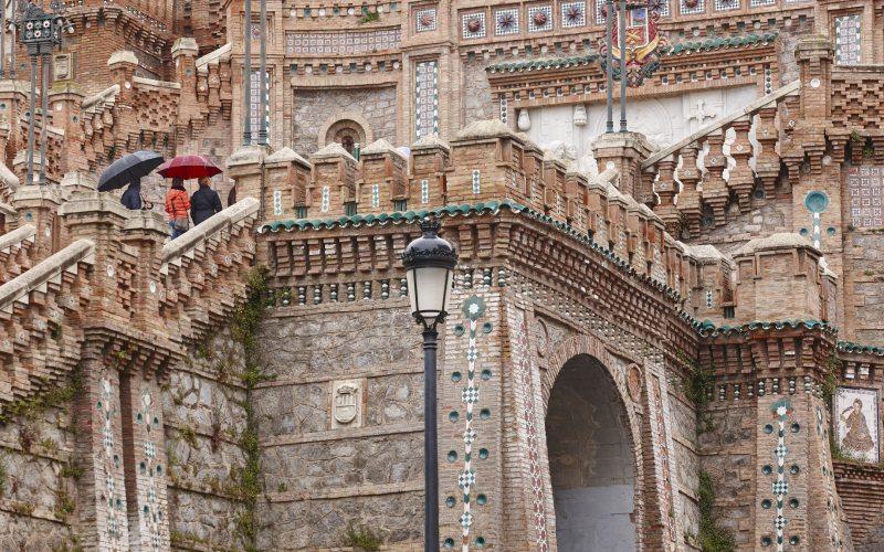 El estilo neo-mudéjar está presente en toda la Escalinata de Teruel