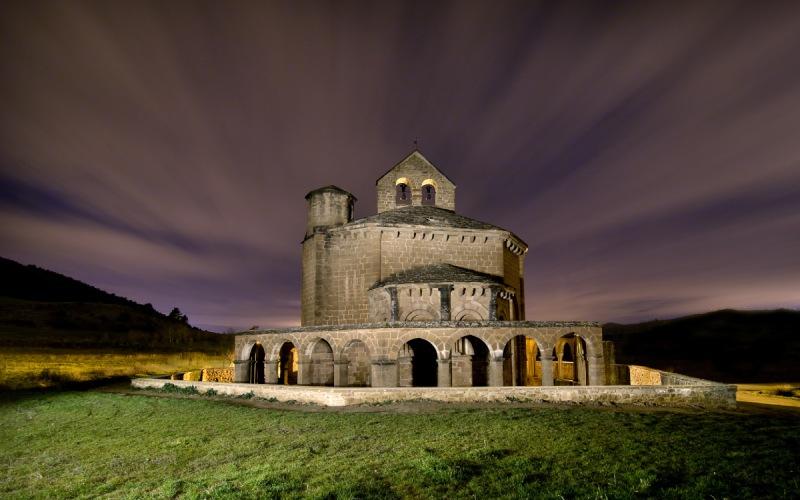 Santa María de Eunate de noche
