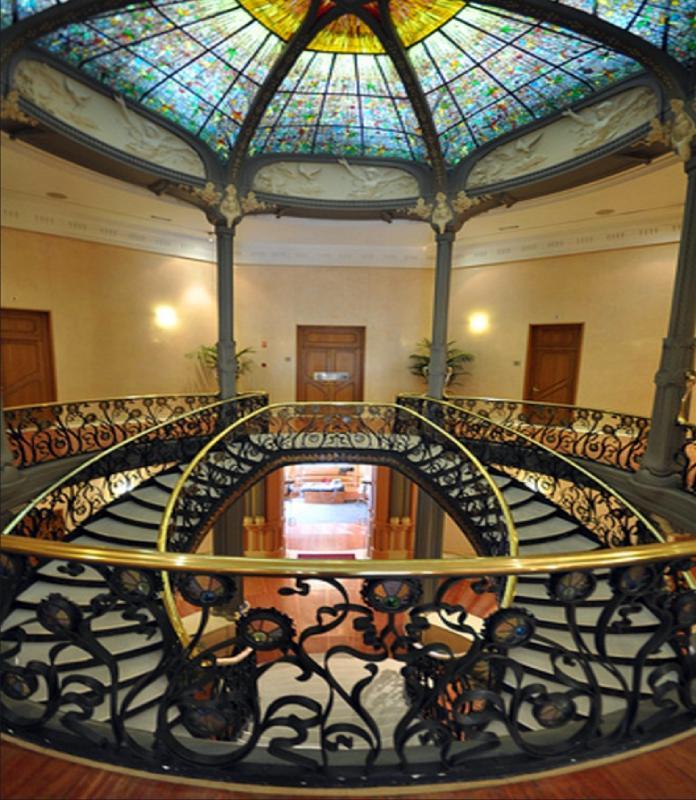 Escalera interior del Palacio de Longoria