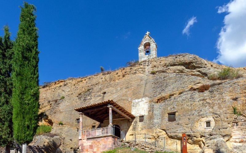 Exterior de la iglesia de los Santos Justo y Pastor de Olleros