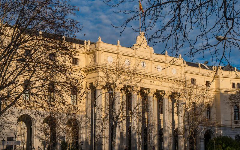 Fachada exterior del Palacio de la Bolsa