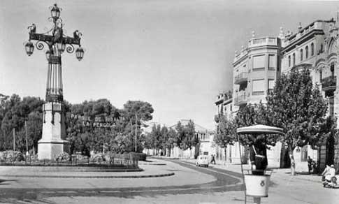 La Farola y un antiguo guardia municipal en Castellón de la Plana
